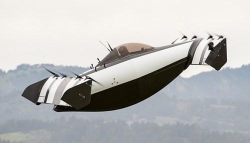 В США состоялась презентация летающего электромобиля (ВИДЕО)