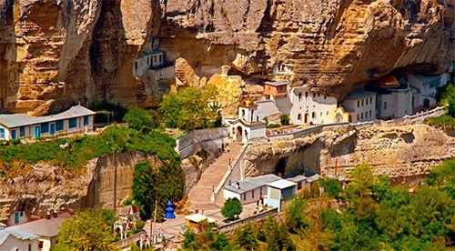 Достопримечательности Украины: Свято-Успенский пещерный монастырь