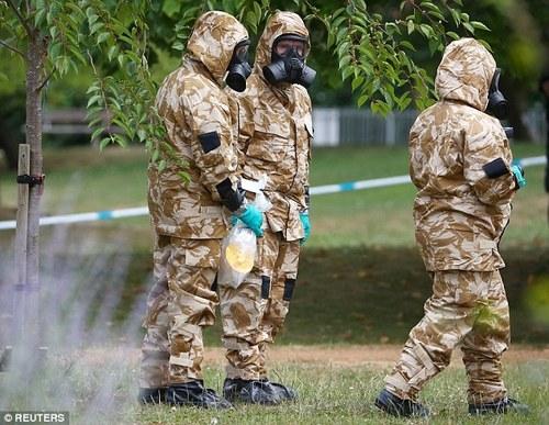 Британская полиция установила личности подозреваемых в деле с «Новичком»