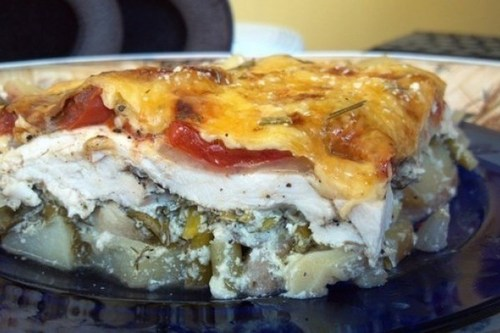 Мамины секреты «Запеканка с курицей, картофелем, шампиньонами, помидорами и сыром»