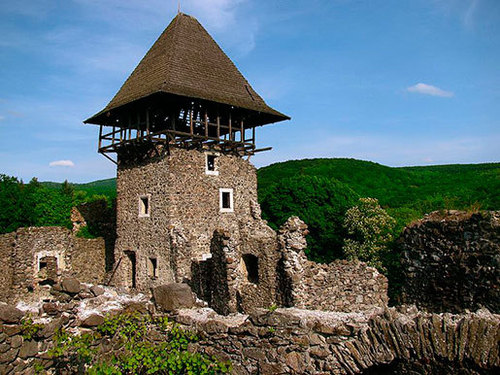 Достопримечательности Украины: Невицкий замок
