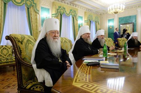 РПЦ пригрозила разорвать отношения с Константинополем