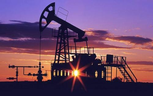 Cаудовская Аравия готова увеличить добычу нефти вопреки ОПЕК