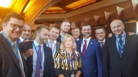 Депутаты Верховной Рады сорвали прямой эфир (ВИДЕО)