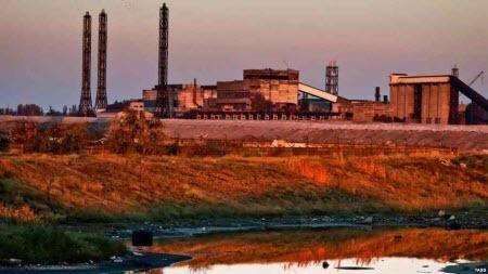 Жители Армянска вновь пожаловались на загрязнение воздуха