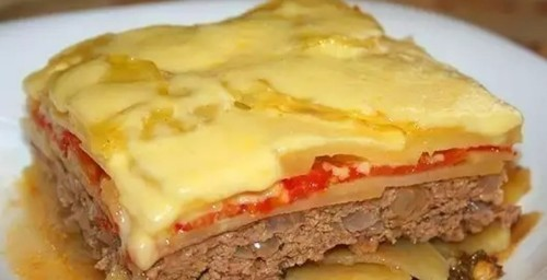 """Мамины секреты """"Запеканка из баклажанов с мясом и овощами под сырным соусом"""""""