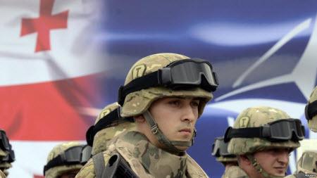 """""""НАТО приближается к сепаратистам"""" - Олег Панфилов"""