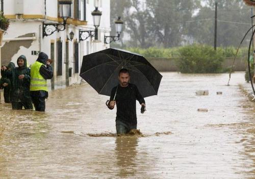 Островам Сицилия и Сардиния грозит наводнение
