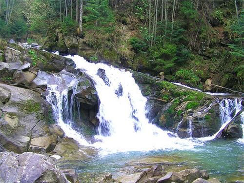 Достопримечательности Украины: Ландшафтный заказник Буковинские водопады