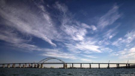 Смещение опор Керченского моста опасно для железнодорожного полотна