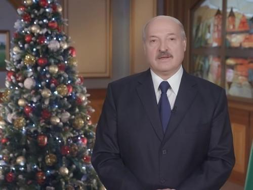 Лукашенко призвал укреплять государство и его независимость
