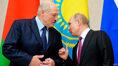 Лукашенко блефует, но не сдается