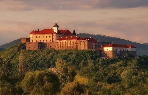 Достопримечательности Украины: Замок Паланок
