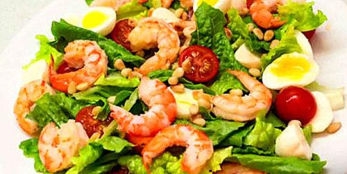 """Мамины секреты """"Овощной салат с креветками"""""""