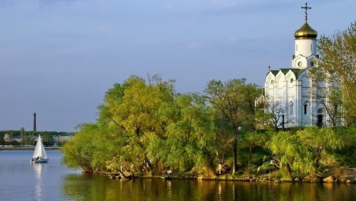 Достопримечательности Украины: Монастырский остров, Днепр