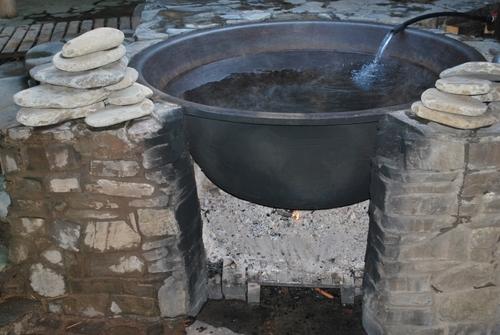 Достопримечательности Украины: Чан с минеральной водой - Лумшори