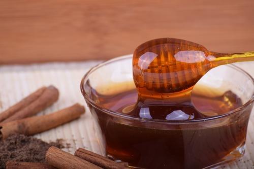 Болезни, которые можно вылечить с помощью корицы и меда