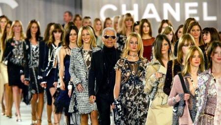 В Гран-Пале показали последнюю коллекцию Карла Лагерфельда для Chanel