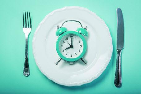 Чем полезно интервальное голодание