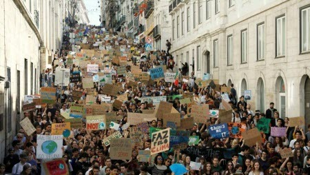 «Климатическая забастовка» школьников охватила 112 стран