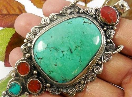 Магический камень, приносящий удачу и защищающий от бед
