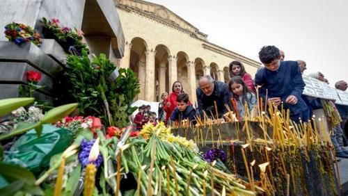 """""""Ночь саперных лопаток"""" - В Грузии отметили 30-летие трагедии 9 апреля 1989 года"""