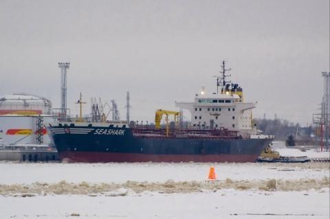Египетский флот удерживает танкер с 17 украинцами на борту