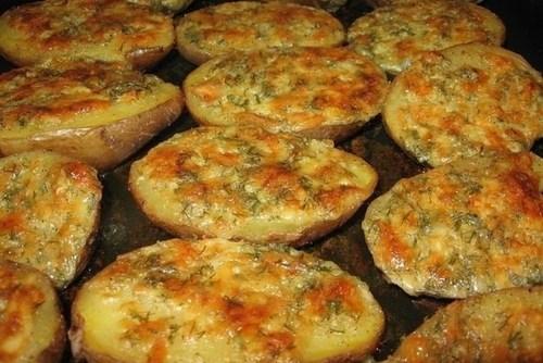 Запеченный картофель с чесночным маслом