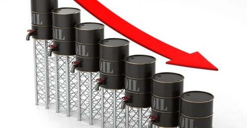 Рубль покатился вниз вслед за обвалом нефти