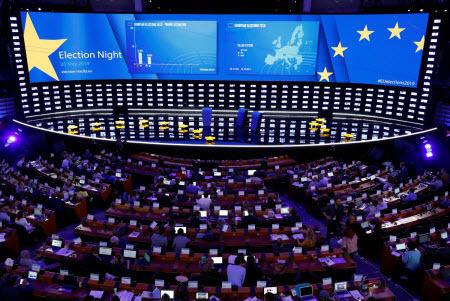 На Европу сброшена политическая осколочная бомба