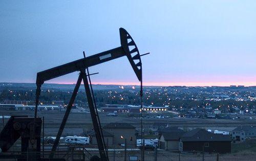 Цены на нефть рухнули до минимума за 11 недель на рекордной добыче в США