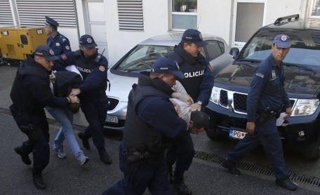 В Черногории по обвинению в попытке госпереворота к тюремному заключению приговорили двух граждан России