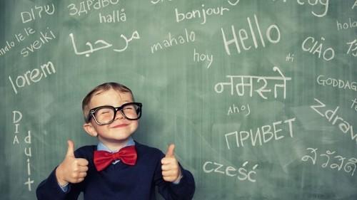 Имеет ли смысл изучать два языка параллельно