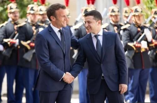 Здача дипломатичних позицій України Зеленським