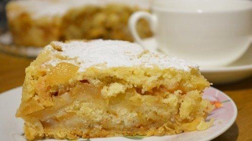 Сыпучий пирог с яблоками