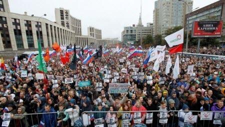 «Имиджевая катастрофа Кремля» — СМИ Франции о московских митингах