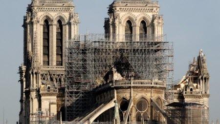 Мэр 7 округа Парижа потребовала провести пробы на наличие свинца в школах