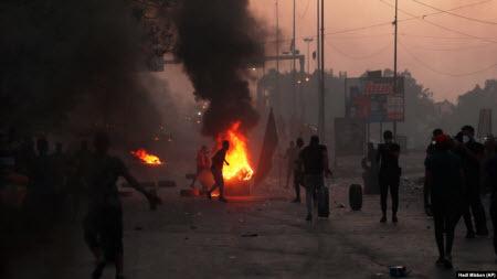 """""""Уже не бьют, а стреляют"""". Больше ста погибших при восстании в Ираке"""