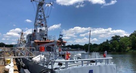 Украинский флот пополнился американскими катерами Island