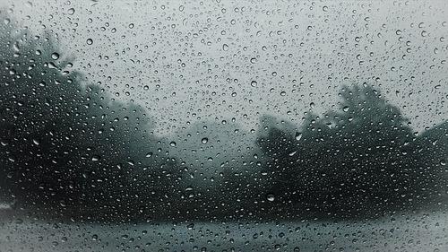 Медики обнаружили связь между погодой и обострением хронической боли