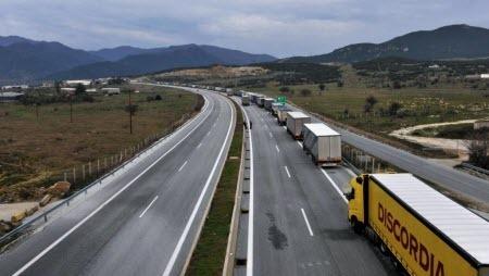 В Греции в фуре-рефрижераторе нашли 41 человека