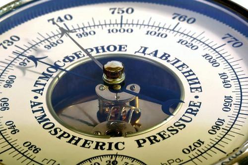 В Украине установилось рекордно низкое атмосферное давление