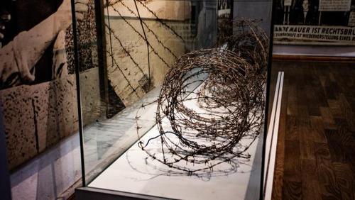 «Убийственная граница»: как хранят память о Берлинской стене