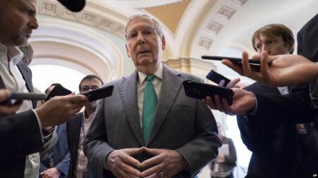 Лідер республіканців у Сенаті не вірить у можливість усунення Трампа від влади