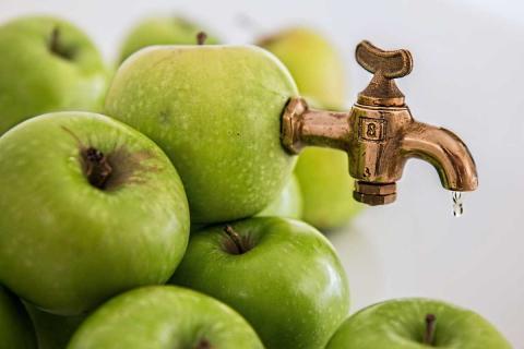 Диетолог назвала напиток, который ускорит похудение и улучшит питание