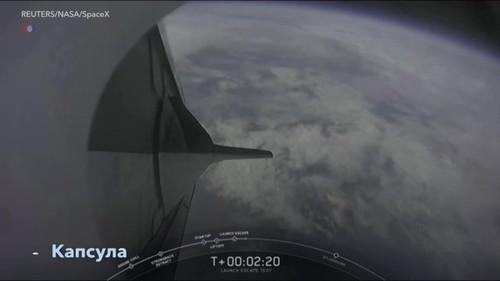 SpaceX протестировал эвакуацию экипажа Crew Dragon
