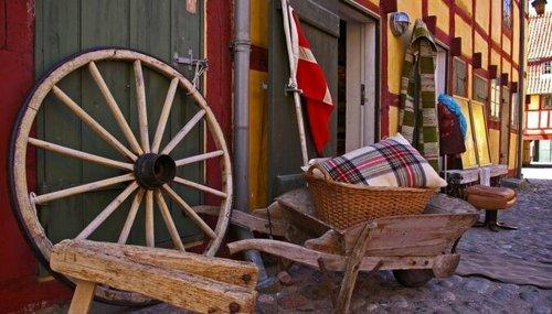 Почему датчане живут без штор и заборов