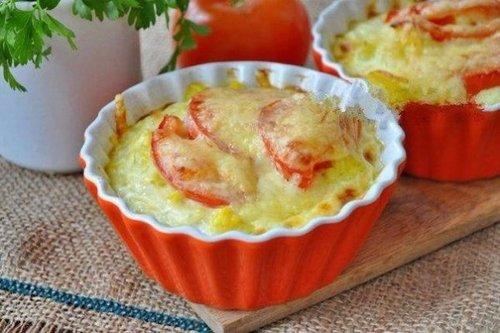 Сочная запеканка из цветной капусты и помидоров