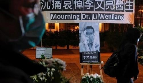 Смерть врача, предупредившего о новом вирусе, вызвала бурную реакцию в Китае