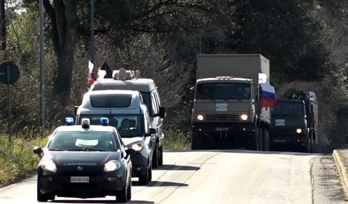 Итальянские СМИ заявили о бесполезности привезенной из России помощи: стараются ради снятия санкций